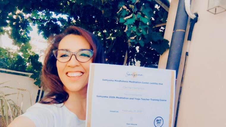 Certificación internacional en yoga y meditación