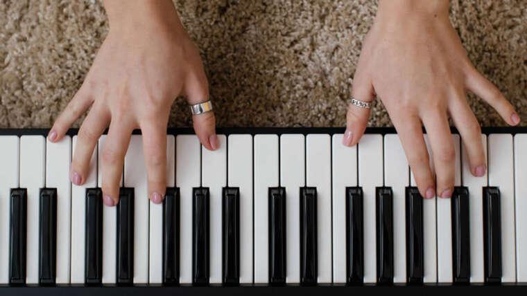 Canto de mantras y armonía musical